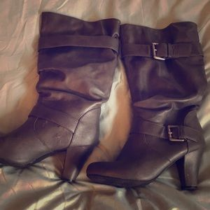 Size 8 grey boots